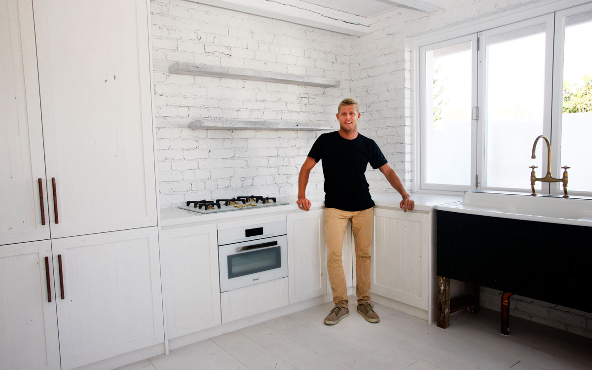 Surfer Mick Fanning Caesarstone Kitchen (7)