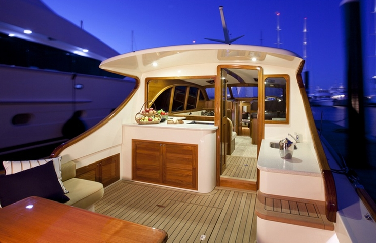 Palm Beach Motor Yachts Featuring Caesarstone® Surfaces